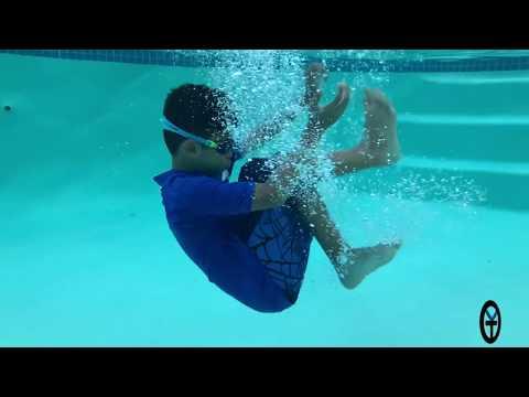Apple Iphone 8 plus Underwater Pool Testing The IP67 Certification