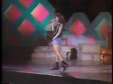 Stephanie Salas en Siempre en Domingo (1992)