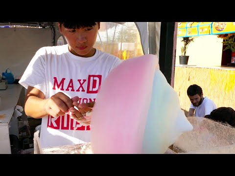 Cotton Candy Art In New York City - Flower And Heart