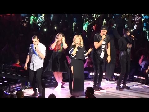 "Kelly Clarkson - ""Heartbeat Song"" and ""Walk Away/Uptown Funk"" [Ft. PTX] (Live in S.D. 8-16-15)"