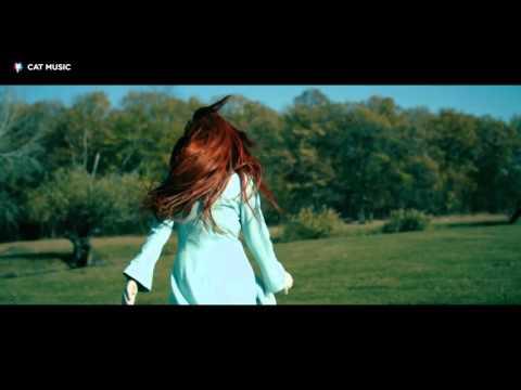 Cristina-acasa la noi(Oficial video)🎶