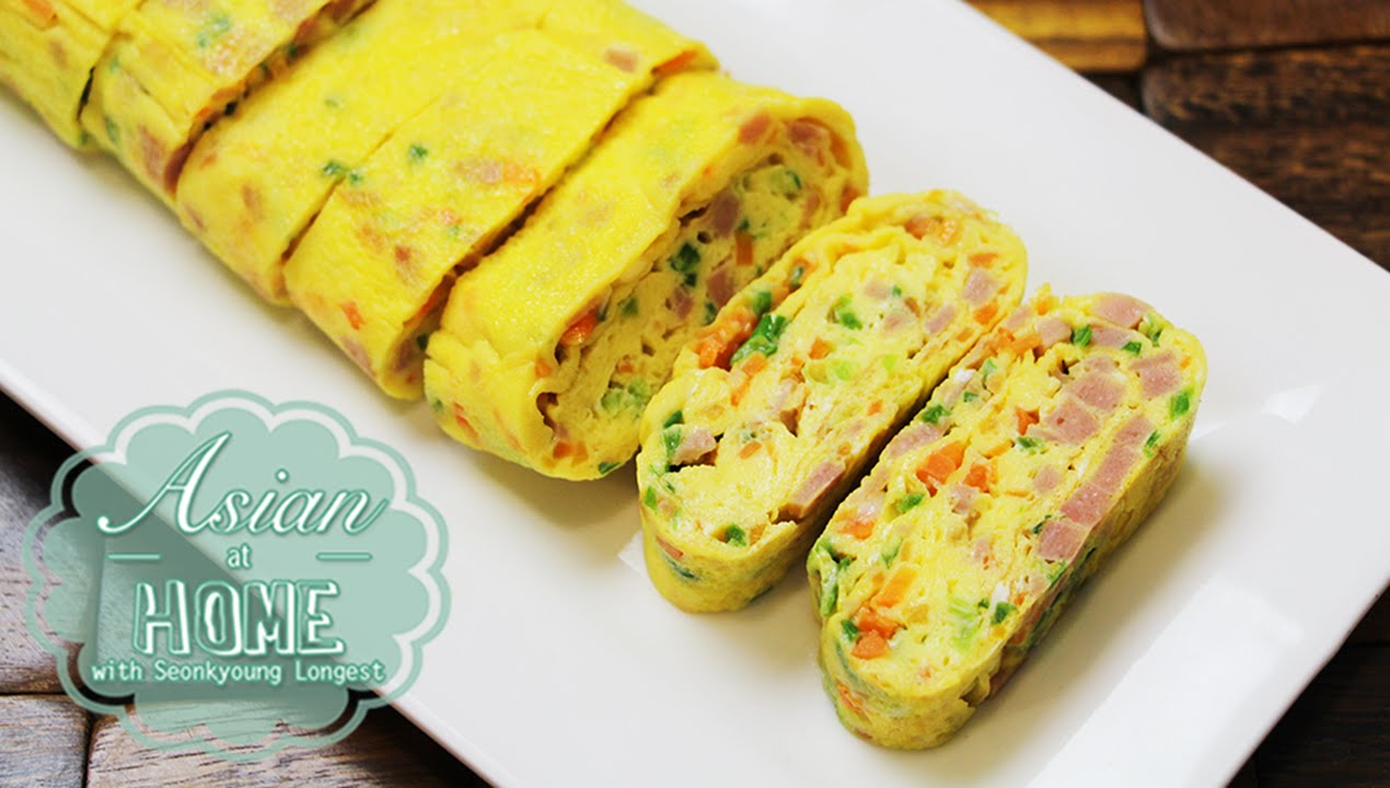 Asian at Home | Korean Egg Roll/Rolled Omelet - YouTube