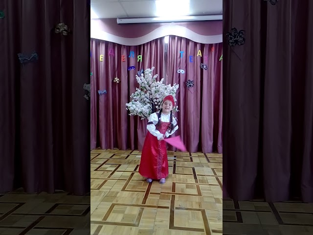 Изображение предпросмотра прочтения – АлисаИонова читает произведение «Русские народные частушки» (Русский фольклор )