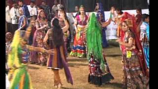 Gujarati Garba Song Navratri Live 2011 - Lions Club Kalol - Jignesh Kaviraj - Day -3 Part - 9