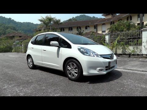 2012 Honda Jazz Hybrid Start-Up, Full Vehicle Tour, and Quic