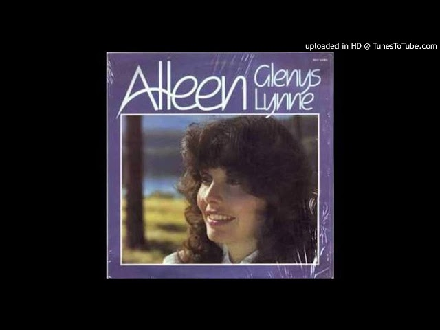 Glenys Lynne bly by my