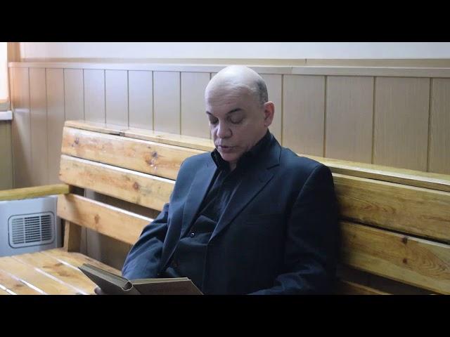 Изображение предпросмотра прочтения – ПавелКоротков читает отрывок изпроизведения «Обломов» И.А.Гончарова