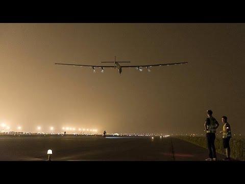 Solar Impulse 2 pilot reports 'unbelievable' Pacific flight