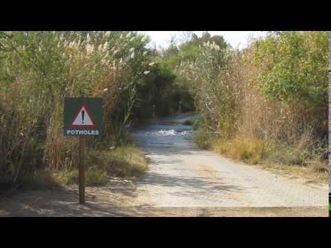 MVI 1174   Potholes    Wat dacht je van overstromingen!