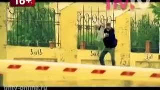 Это клип Хании Фархи и я там есть :)