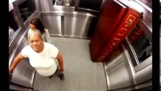 Repeat youtube video แกล้งคนฮ่าๆ โลงศพในลิฟท์...