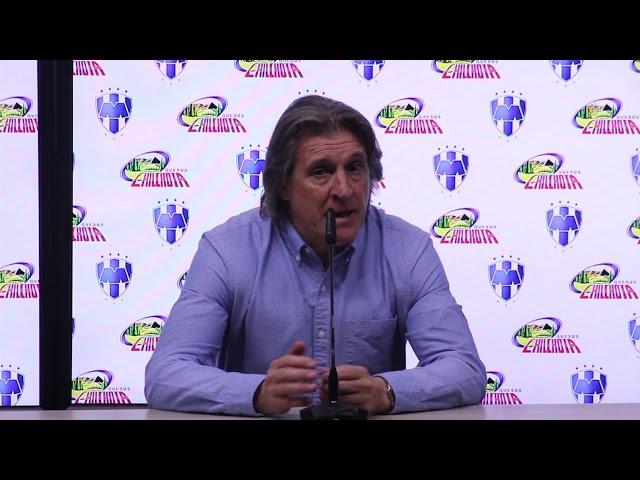 Tras la eliminación de Pumas, Sergio Egea se sintió afectado por el arbitraje