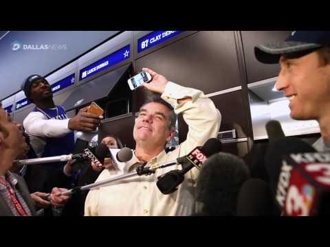 Dez Bryant asks Sean Lee about Cowboys defense in locker room