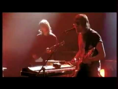 Kasabian - Reason Is Treason (Live at Évry, 10.01.2005)