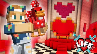 Decorating the Queen of Hearts Throne Room! | Minecraft X Life #34