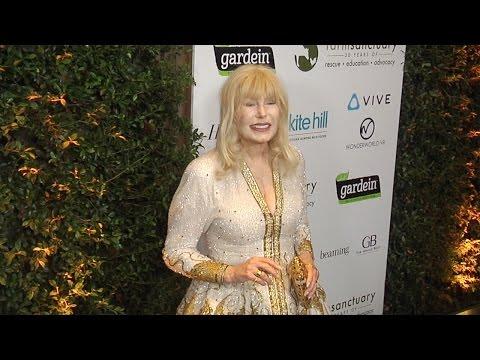 "Loretta Swit ""Farm Sanctuary's 30th Anniversary Gala"" Green Carpet"