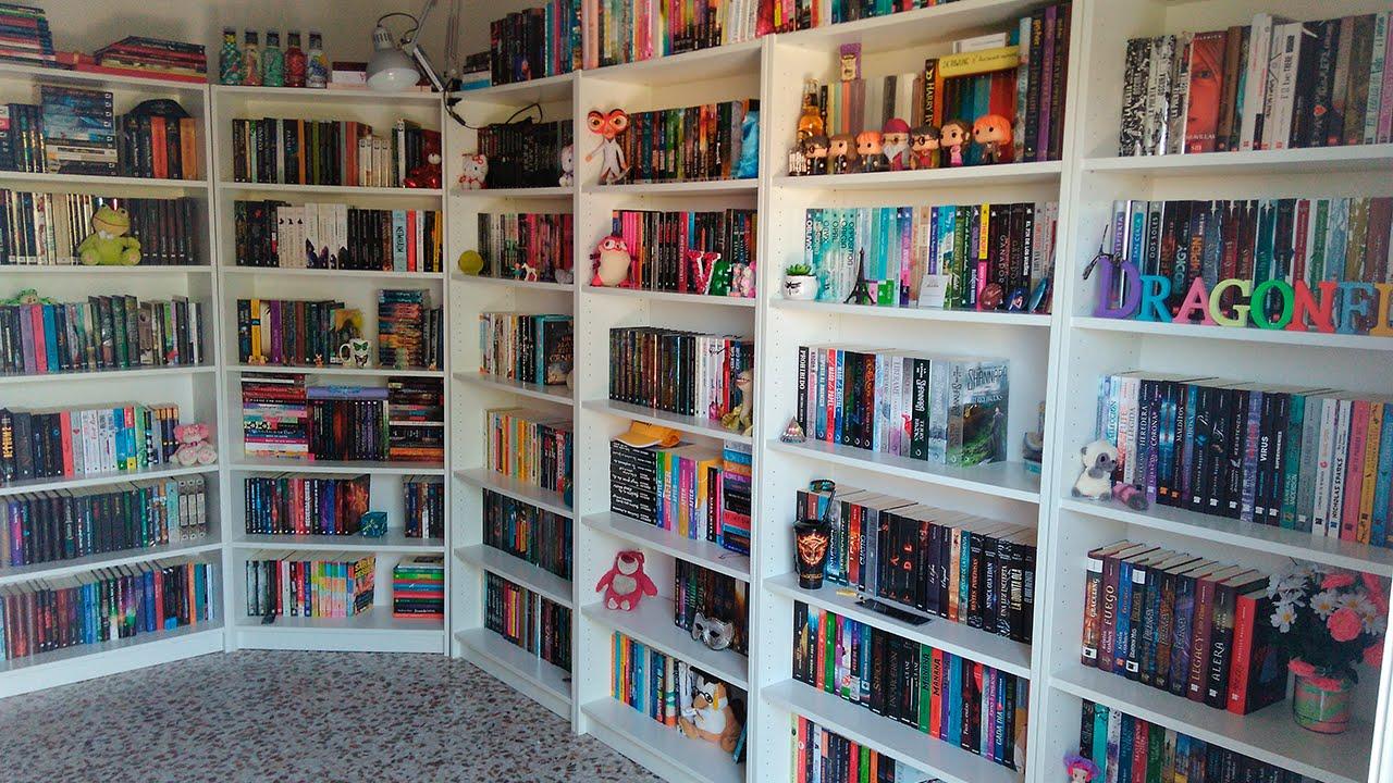 Estanterias libros estantera con cajas y libros libreria Estanterias para libros