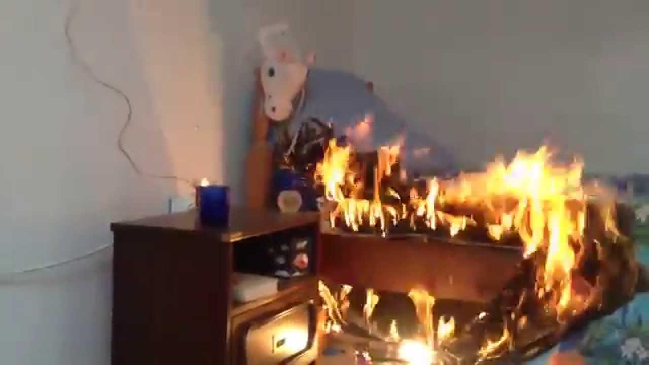 Vid o incendie d 39 une chambre d 39 enfant youtube - Location d une chambre meublee ...