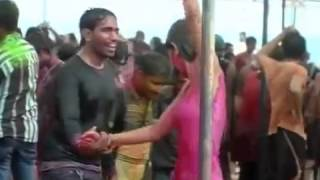 Indian aunty hot nip slip in holi