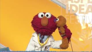 Elmo Learns About Vaccines with the Surgeon General at Spotlight Health 2015