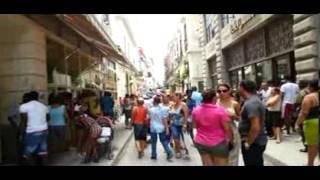 Conga en Calle Obispo, La Habana - Cuba