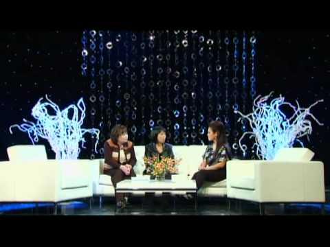 """Lam Thuy Van Show with Hong Anh & Kim Tran - CHu De """" Hoi Huyen Tuy  """" Part 1"""