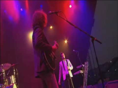 The Killers - Smile Like You Mean It At Glastonbury 2005 Part 5