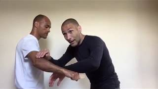 Knife defence core strategies