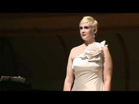 Daina Fischer singsThree Blake Songs, Op20; Roger Quiler .mp4