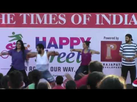 UDE dil befikre - Prasad Wadekar - Zumba-Bollywood Number- Happy Street Times of india