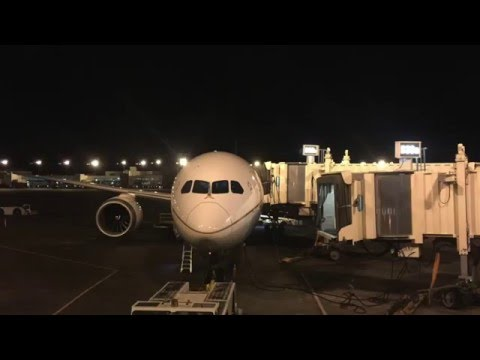 United Airlines B787-9 takeoff from Denver