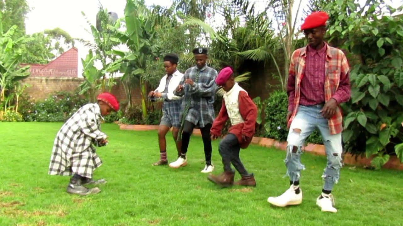Download Chugga Dance Si Timamu, Wa Dance Nyimbo Mpya Mimina Chalii ya R Si Timamu kama Dogo sele funny video