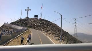 Subiendo en MiraBus por el Cerro San Cristobal, Lima