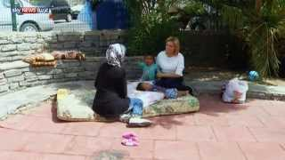 أم سورية تعيش في حديقة بتركيا بانتظار رحلة اللجوء