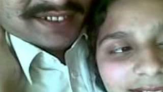 Phol rikshay may apni girl friend k sath