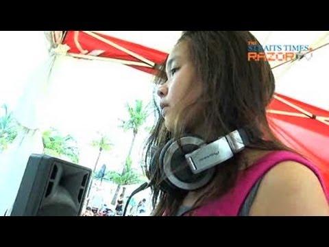Pretty teen spins music (Teenage DJs Pt1)
