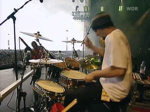 Linkin Park - Pushing Me Away Live Hd - YouTube
