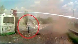 Теракт или ДТП : в Москве автобус задавил россиян в подземном переходе.