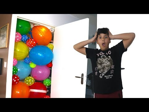 Block the door with balloons AND Learn colors with videos for kids