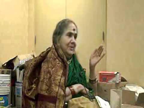 Radha Viswanathan's Abhinayam for Maalai Pozhudhinile