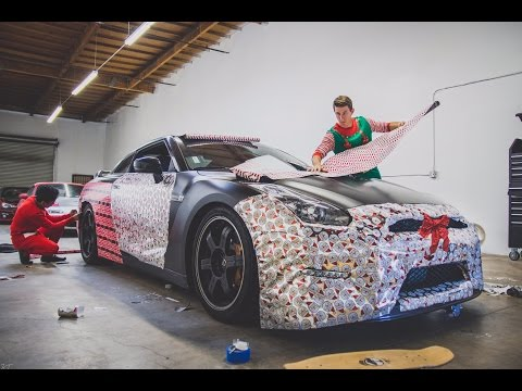 WRAPPING THE GTR IN CHRISTMAS PAPER