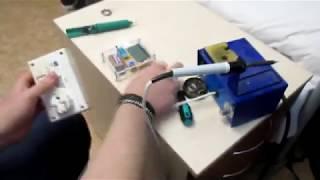 Studenti VUT opravují domovní zvonek