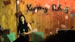 """Chiếc khăn gió ấm - Khánh Linh [Đêm nhạc """"Hát cho tình yêu đầu"""" - Xương Rồng coffee]"""
