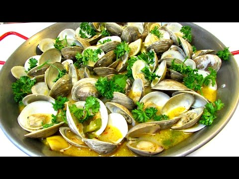 Steamed Clams In Spicy White Wine & Butter Broth