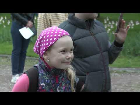 Смотреть Праздник цветения царских садов «Белая ночь» в Коломенском онлайн