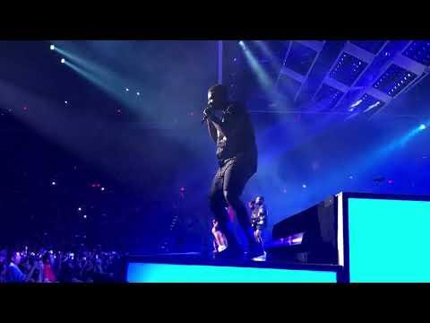 Bruno Mars  (24K Magic) front row footage (24K Magic World Tour) Talking Stick Resort Arena 11/7/17