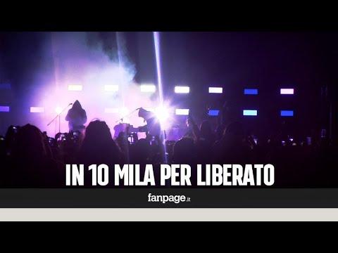 Liberato, il concerto sul lungomare di Napoli delude i fan: