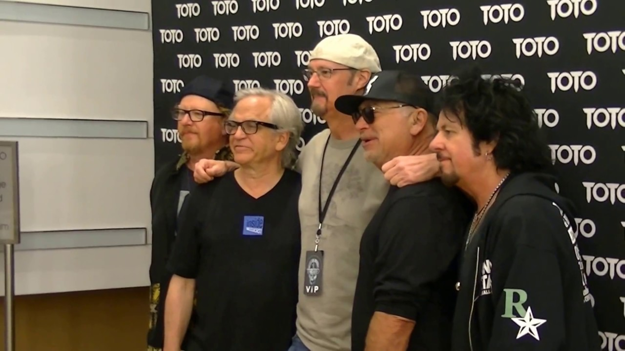 Toto meet greet fans in charlottenc 6 7 2017 youtube toto meet greet fans in charlottenc 6 7 2017 m4hsunfo