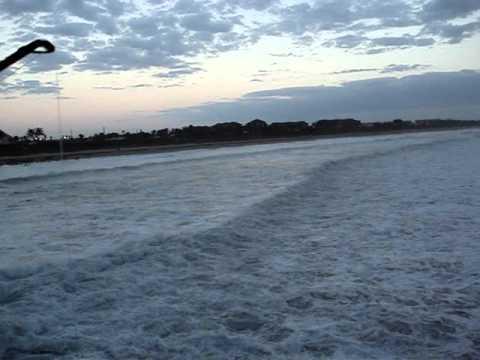 Juno beach fishing pier big waves 10ft 12ft bad for Juno pier fishing report