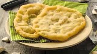 88 traditionellen Rezepten werden die Langosch auch mit gekochten Kartoffeln Christian Langos